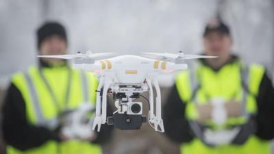 Orosháza, 2017. január 21.A Körös Mentõcsoport új, Flir Vue hõkamerával felszerelt DJI Phanton 3 Professional típusú drónja az Orosháza közelében tartott bemutatón 2017. január 21-én. A drón többek között a katasztrófa sújtotta területek légi felderítés