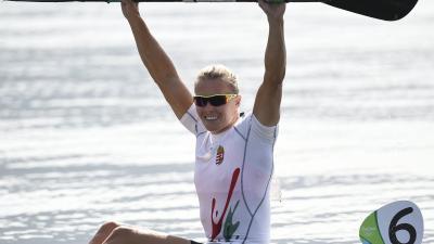 Rio de Janeiro, 2016. augusztus 18. Kozák Danuta a célban a nõi kajak egyesek 500 méteres versenyének döntõjében a Rio de Janeiró-i nyári olimpián a Rodrigo de Freitas Lagúnában 2016. augusztus 18-án. A magyar kajakos megvédve címét aranyérmet nyert. MT