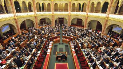 Budapest, 2012. szeptember 24. Az Országgyûlés plenáris ülésén 2012. szeptember 24-én. MTI Fotó: Máthé Zoltán