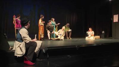 Középiskolás diákok töltötték meg a Békéscsabai Jókai Színházat az Ádámok és Évák Ünnepén (Fotó: Kovács Dénes)