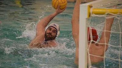 Rácz Norbert (fehér sapkában) négy gólig jutott a fővárosiak ellen (Fotó: Kiss Dániel)