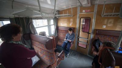 Verskommandó - a költészet napján Békéscsabától Nagyszalontáig verseltek a vonaton Fotó: Varga Otto
