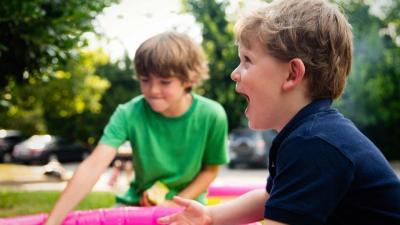 Gyerekek játszanak. Fotó: pexels.com
