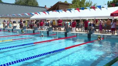 Több mint kétszáz úszó versenyzett az Árpád fürdőben (Fotó: Kovács Dénes)