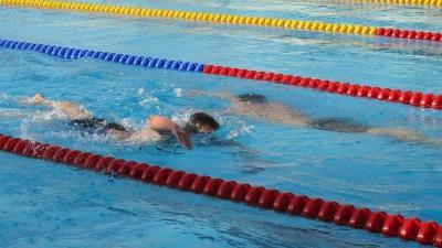 Az olimpiai távon, 10 kilométeren kezdenek az úszók az Árpád fürdőben (Fotó: Magyar Úszó Szövetség)
