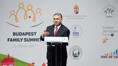 Orbán Viktor miniszterelnök beszédet mond a Családok budapesti világtalálkozójának első napján (MTI Fotó: Koszticsák Szilárd)