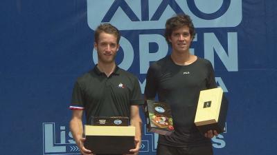 A tavalyi döntőben a francia Lestienne (balra) két szettben nyert az argentin Mena ellen (Fotó: Tóth Áron)