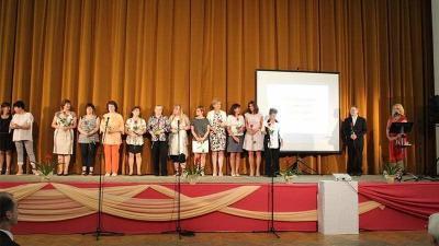 Pedagógusnapi köszöntés, elismerések Békésen