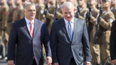Orbán Viktor miniszterelnök (b) katonai tiszteletadással fogadja Benjámin Netanjahu izraeli kormányfõt (MTI fotó: Mohai Balázs)
