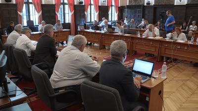 Soron kívül ülésezet a békéscsabai képviselő-testület július 25-én.
