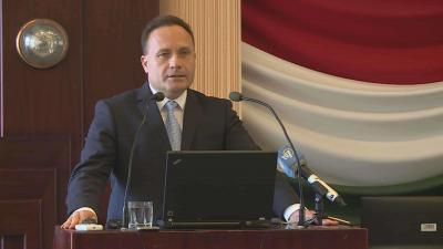 A Békés Megyei Kormányhivatal munkáltatói fórumon tájékoztatta a mikro- kis- és középvállalkozásokat a munkahelyteremtő beruházások támogatásáról. Fotó: Kovács Dénes