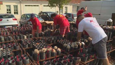 Már előkészítették a vasárnap esti, békéscsabai tűzijátékot a pirotechnikusok. Fotó: Kugyelka Attila