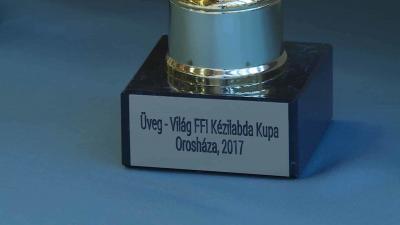 A trófeát újra fürediek nyerték (Fotó: Ujházi György)