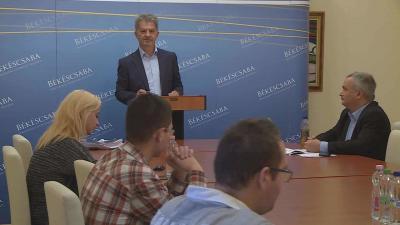 A közgyűlés másnapján, szeptember 29-én fejtette ki a határozatokkal kapcsolatos véleményét Szarvas Péter. Fotó: Kugyelka Attila