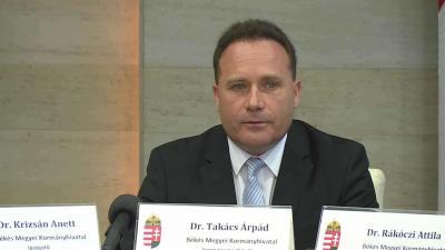 A Békés Megyei Kormányhivatal harmadik negyedéves munkáját értékelte Dr. Takács Árpád kormánymegbízott.  Fotó: Ujházi György