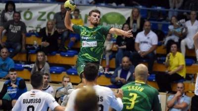Milas (lövés közben) öt gólt szerzett (Fotó: kesport.hu)