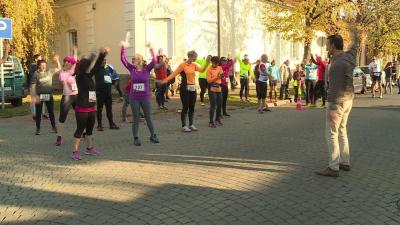 Voltak, akik szombaton reggel hattól egészen este hatig futottak, de további négy – 1, 2, 4 és 6 órás kategóriákban is indultak sportolók. Fotó: Kovács Dénes
