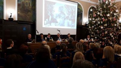 Exkluzív kiadvánnyal lepte meg az olvasókat a Munkácsy Mihály Múzeum és a Békéscsabai Evangélikus Egyházközség a karácsonyi ünnepek előtt. Fotó: Kovács Dénes