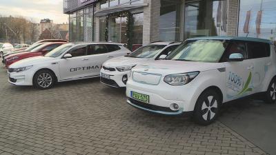 2017-ben 20 százalékkal több új autót értékesítettek, mint 2016-ban, ennek hatására a használt gépjárművek eladási száma is elemelkedett. Fotó: Kugyelka Attila
