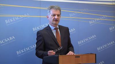 Szarvas Péter, Békéscsaba polgármestere sajtótájékoztatón, 2018.01.26-án. Fotó: Kovács Dénes