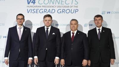 Mateusz Morawiecki lengyel, Robert Fico szlovák és Orbán Viktor magyar kormányfõ, valamint Andrej Babis cseh ügyvivõ miniszterelnök (b-j) a visegrádi országok  kormányfőinek találkozóján Budapesten (MTI fotó: Koszticsák Szilárd)