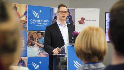 Gáncs Kristóf kommunikációs igazgató ismertette a gyűjtés eredményét (Fotó: Fekete Dániel / MÖS)
