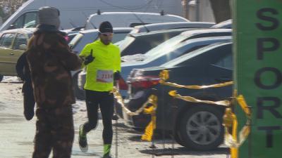 Az idei Farsangi Futógálára százhatvan futó nevezett, sokan közülük jelmezben teljesítették a versenyt. Fotó: Kugyelka Attila