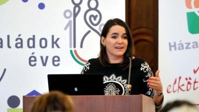 Novák Katalin, az Emberi Erőforrások Minisztériuma család és ifjúságügyért is felelős államtitkára (MTI fotó: Kovács Attila)