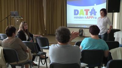Békéscsabán mutatták be a segítő szakembereknek a DATA-projektet. Fotó: Fazekas Róbert