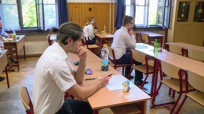 Magyarból érettségiztek a diákok 2018.05.07-én a békéscsabai Szeberényi Gusztáv Adolf Evangélikus Gimnázium diákjai. Fotó: Kovács Dénes