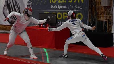 Az olimpiai bajnok Szász-Kovács Emesével (b) a soraiban sem jutott a csapat a legjobb nyolc közé (Fotó: hunfencing.hu)