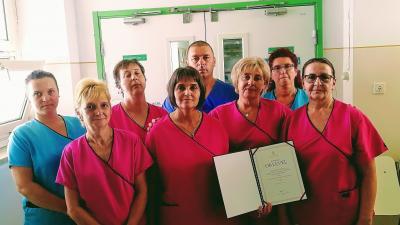 A kitüntetésben részesített kollektíva. Fotó: Melega Krisztián/Orosházi Kórház