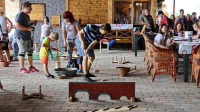 Szűrések és különböző programok várták az érdeklődőket szombaton a Csabai Rendezvénypajtában - a kép jobb oldalán található nyíllal lapozhat a galériában (fotók: Milyó Pál)