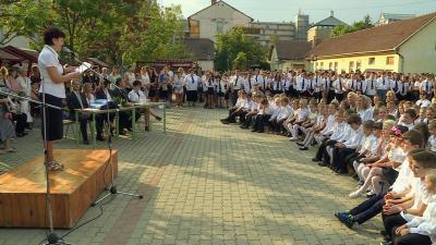 Idén a Kazinczy Ferenc általános iskolában tartották a békéscsabai, városi tanévnyitót. Fotó: Kugyelka Attila