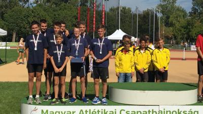 Ezüstérmes lett a Kopp Békéscsabai Atlétikai Club serdülő csapata (Fotó) BCSAC)