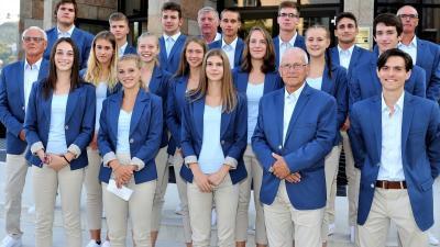 Apáti Bence (első sor jobb szélén) is ott van a tizenhat tagú atlétika csapatban (Fotó: Kopp Békéscsabai Atlétikai Club)