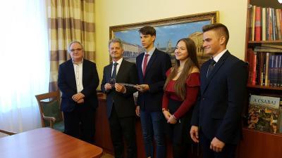 A város és a diákság vezetői  Fotó: Kovács Dénes