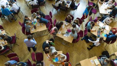 Budapest, 2018. szeptember 25. A Világ legnagyobb tanórája elnevezésû rendezvény a Fasori Evangélikus Gimnáziumban 2018. szeptember 25-én. A tanórát az ENSZ szakértõi által írt és javasolt óravázlat alapján tartották. MTI Fotó: Mohai Balázs