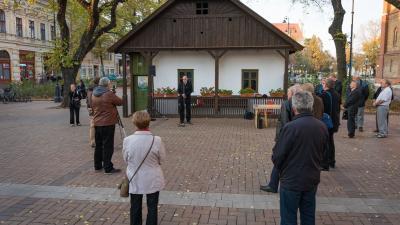 Békéscsabán is aláírásgyűjtésbe kezdtek a trianoni békediktátum visszavonásáért. Fotó: behir.hu