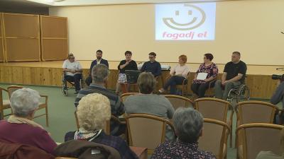 A társadalmi elfogadás és megértés jegyében rendezték meg, immár harmadik alkalommal a Fogadj el napot, Orosházán. Fotó: Kugyelka Attila