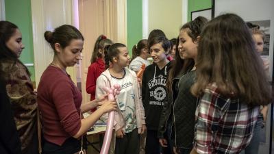 Közösségi élményszerzés határon túl – Nagyszalontán vendégeskedett a Csabagyöngye Kulturális Központ. Fotó: Katona Péter