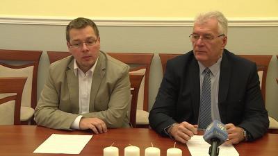 Paláncz György és Dr.  Ferenczi Attila a Fidesz sajtótájékoztatóján. Fotó: Kugyelka Attila