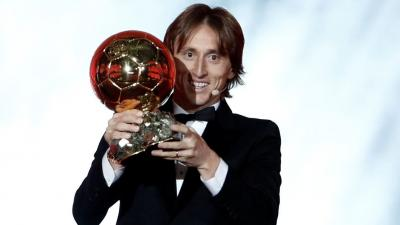 (Borítókép: Luka Modric az Aranylabda-díj átadóünnepségén 2018. december 3-án. Fotó: Benoit Tessier / Reuters)