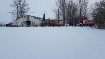 Tűz ütött ki egy békéscsabai istálónál 2019.01.25.-én. Fotó: Kovács Dénes