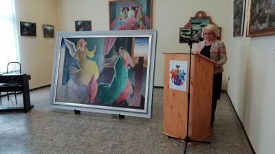 Krucsainé Herter Anikó, az EMMI helyettes államtitkára mond beszédet Molnár C. Pál restaurált festményének átadóján. Fotó: Kovács Dénes
