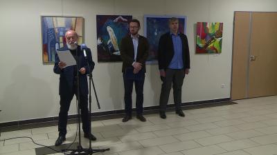 A Békéstáji Művészeti Társaság kiállítása a Csabagyöngyében. Fotó: behir.hu