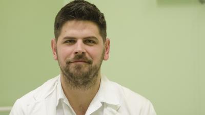 Dr. Hován Csaba az Orosházi Kórház sürgősségijének új vezetője. Fotó: Orosházi Kórház/Melega Krisztián