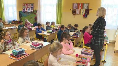 Az 1.A osztályosok tanítási órája a Szeberényi Gusztáv Adolf Evangélikus Iskolában (fotó: Ujházi György)