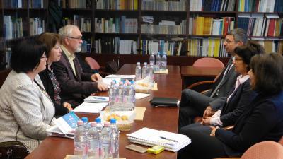 A törvényszéki végrehajtási ügyek intézésében bekövetkező változásokkal kapcsolatos egyeztetés zajlott le a törvényszék és az adóhatóság képviselői között. Fotó: Gyulai Törvényszék