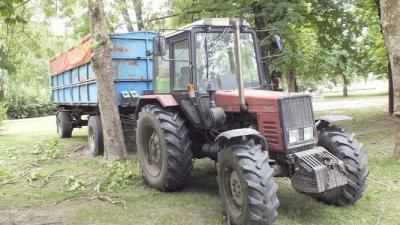 Ezt a traktort vitte el néhány körre a begyógyszerezett, részeg férfi Kétsopronyban. Fotó: police.hu